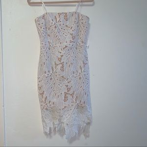 Lulu's dress-White tropical lace
